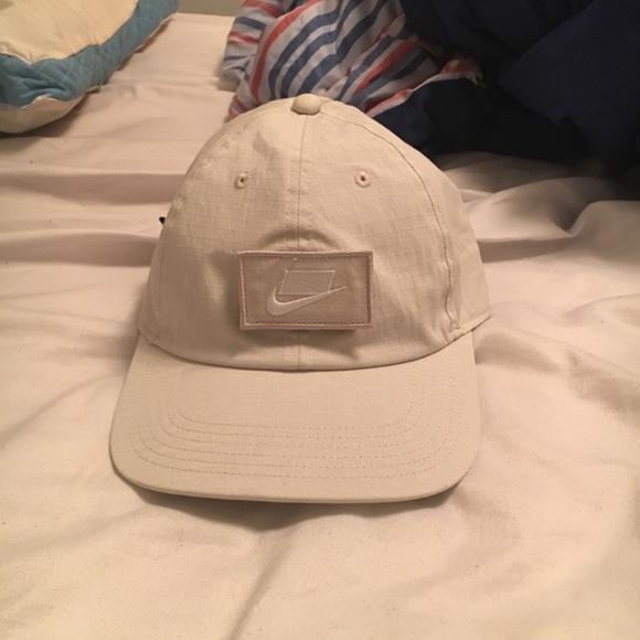 bee120c5 ... discount code for nike sports wear velcro hat 27c2f 88e33